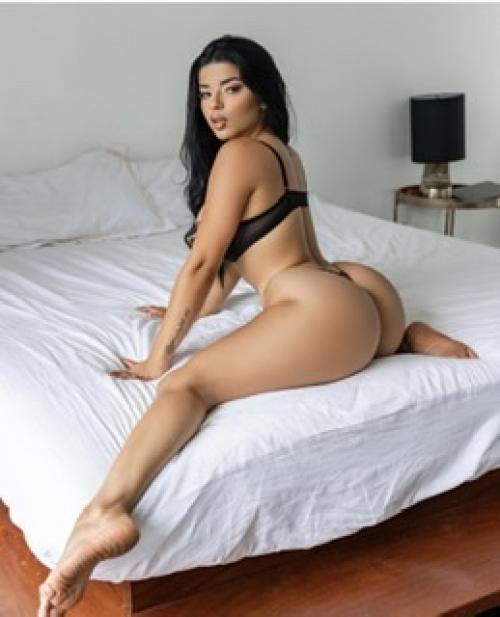 Marina   colobiana caliente