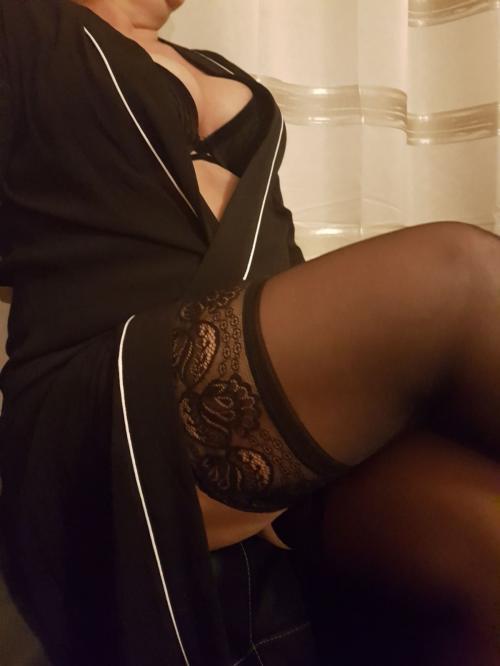 Lia sexy blond 40